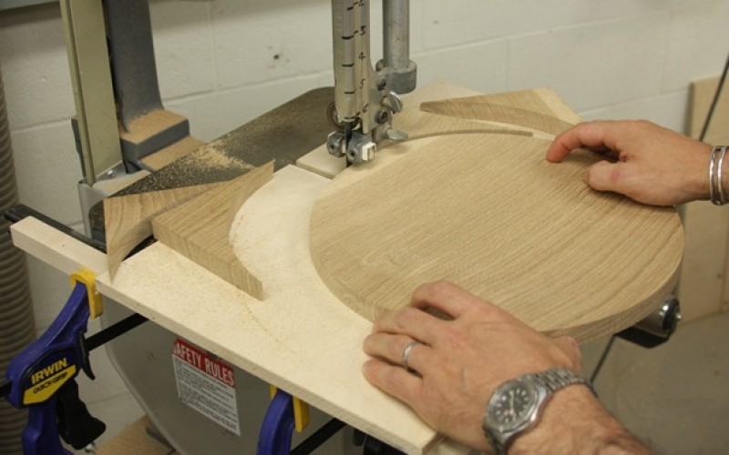 Few things to keep in mind while using band saws